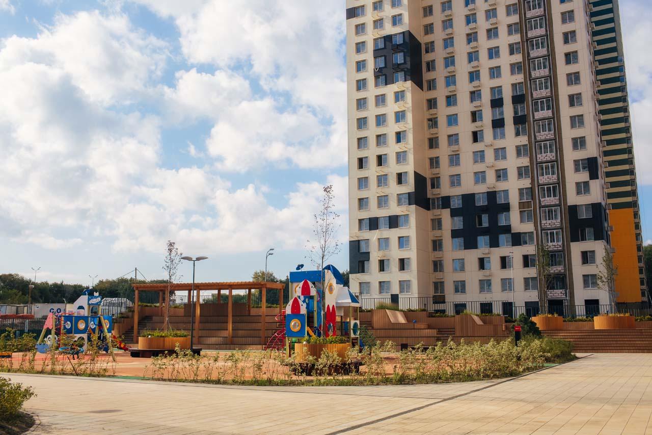 Строительство террас и ограждений в ЖК Спутник